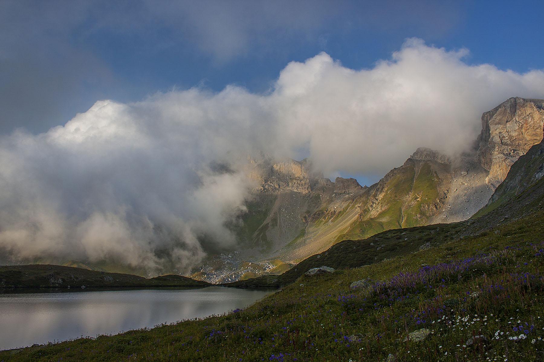 Закат озеро Загедан скала