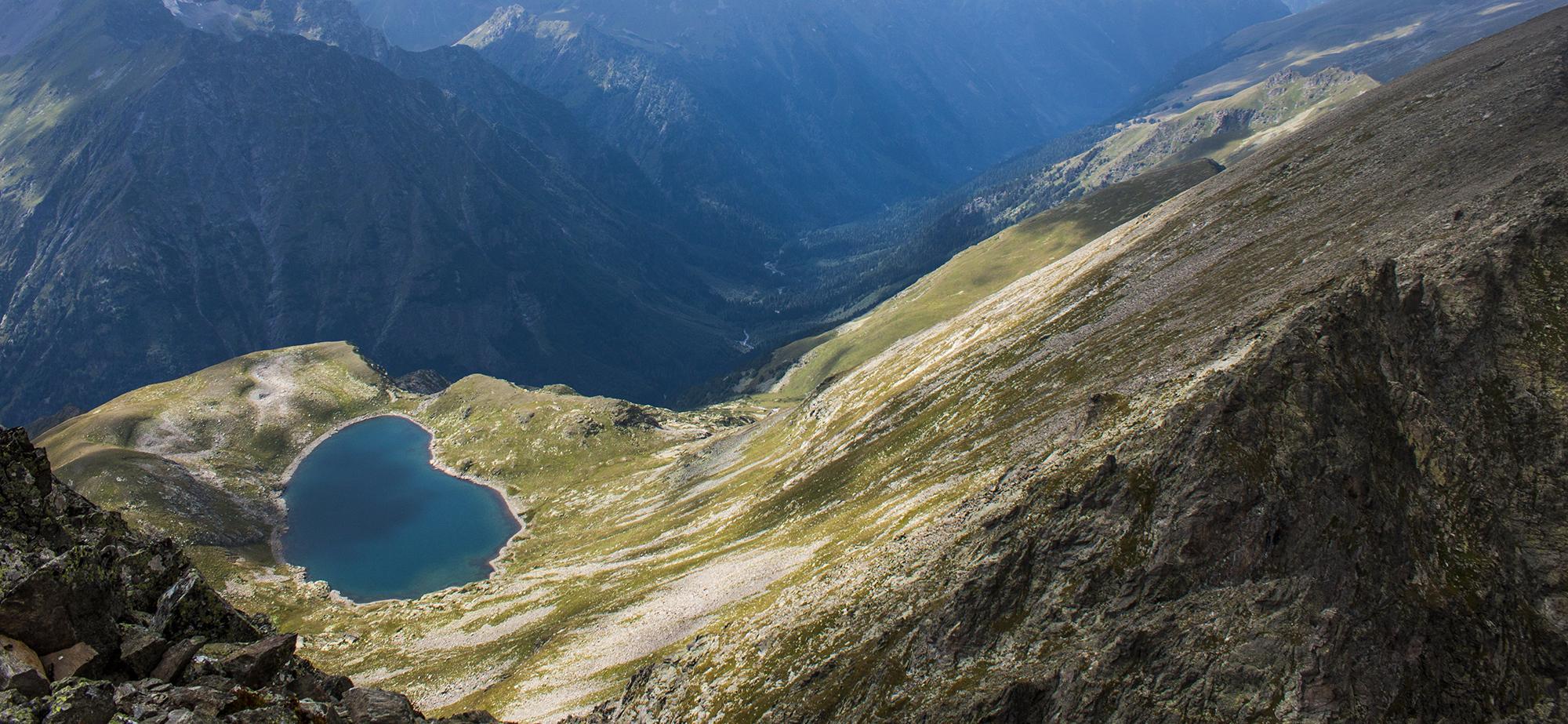 долина реки Цахвоа озеро Теплое