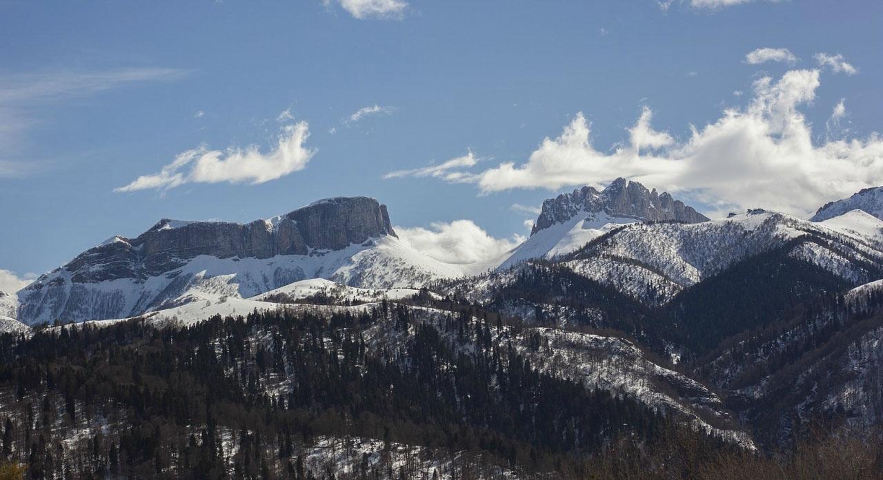 перевал Чертовы Ворота с Бороновых полян