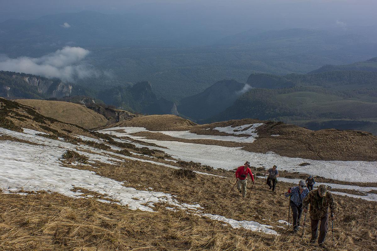 на вершину горы Большой Тхач