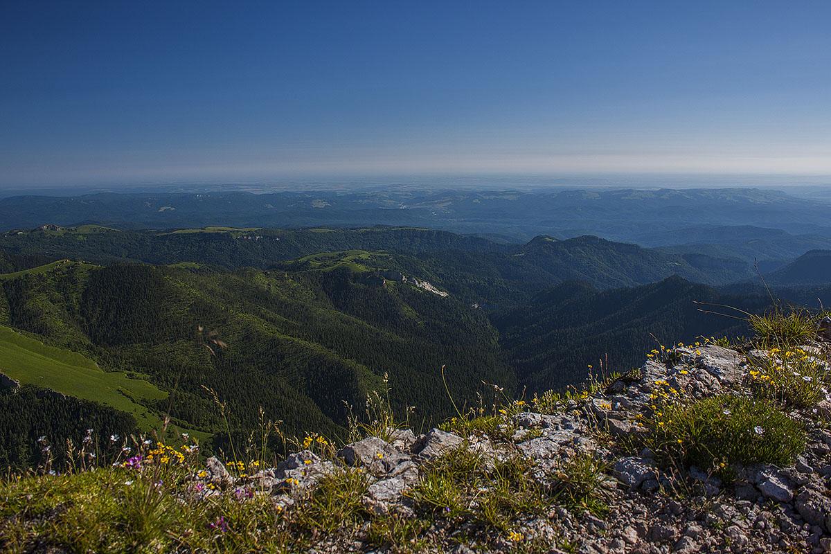 обрыв вершины горы Ачешбок