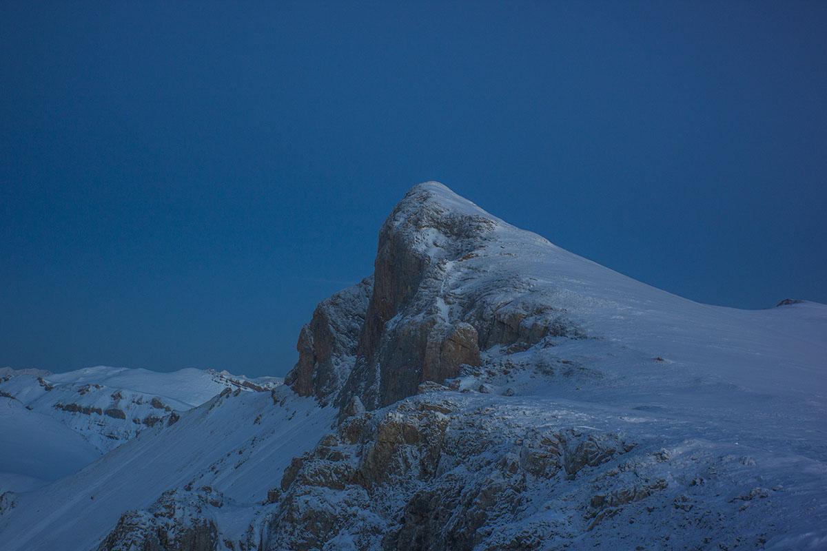 Вершина горы Дженту